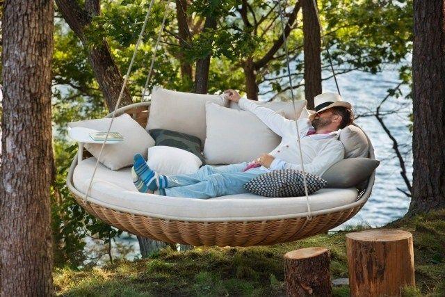 hängematte für garten-design ideen-gefüllte kissenbezüge-decken, Gartengerate ideen