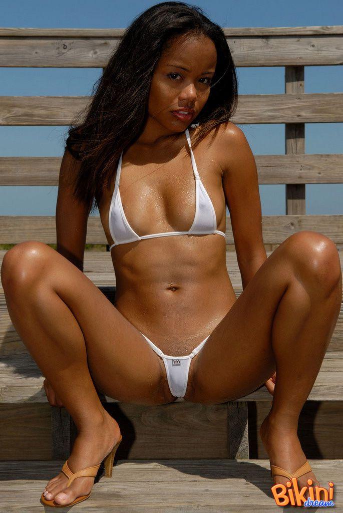 nude rock female stars