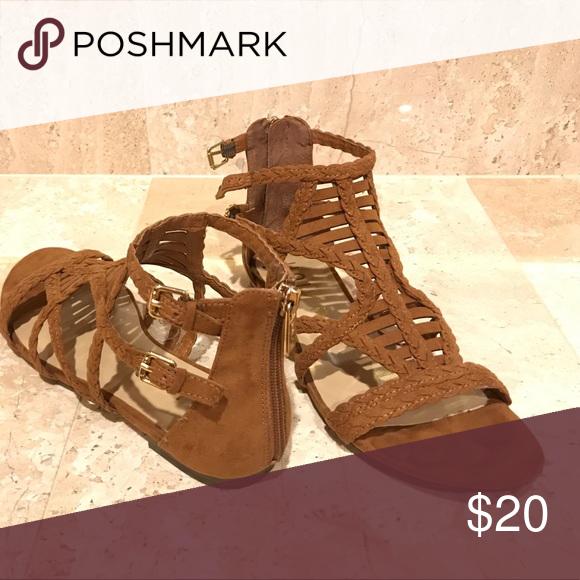 ca20e8781463 Unisa Flat Sandal Light Brown Fabric sandal size 7 1 2 M worn once Unisa  Shoes Sandals