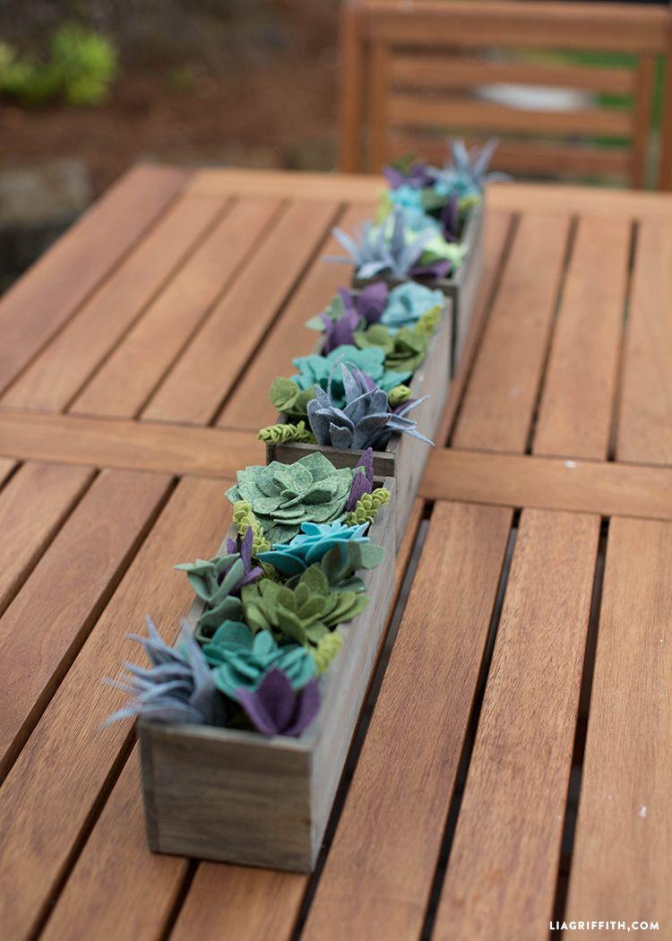 Felt Succulent Vertical Garden   felt DIY   Pinterest   Felt ...
