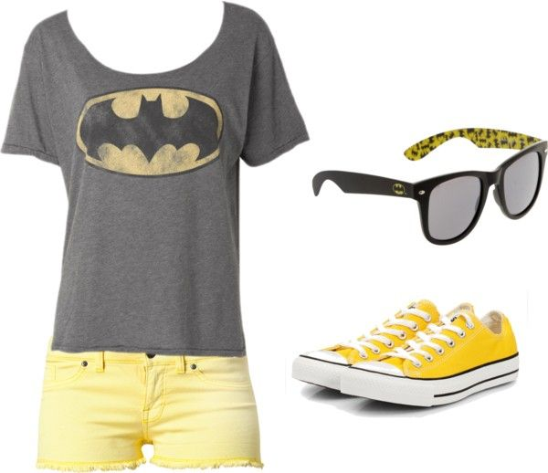 What should you wear to Six Flags in the summer?