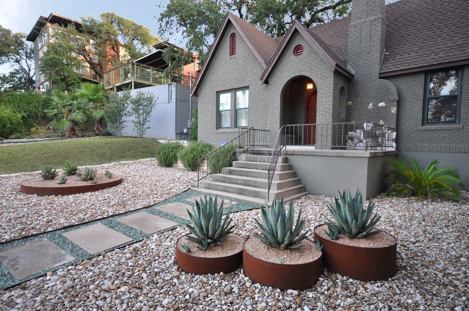 Articulated design modern landscape austin tx