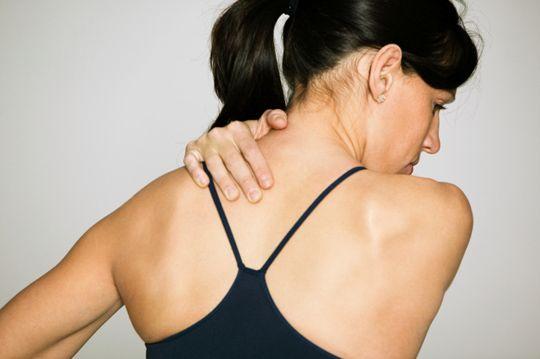 como curar dores musculares no braço