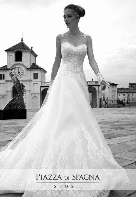 Gli abiti da sposa di Alessandra Rinaudo evocano tanta emozione. Guardali tutti su http://www.piazzadispagnasposi.it/collezioni/sposa/alessandra-rinaudo/
