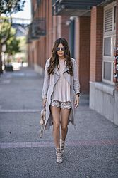 An Easy Trick To Pull Off Shorts In Fall