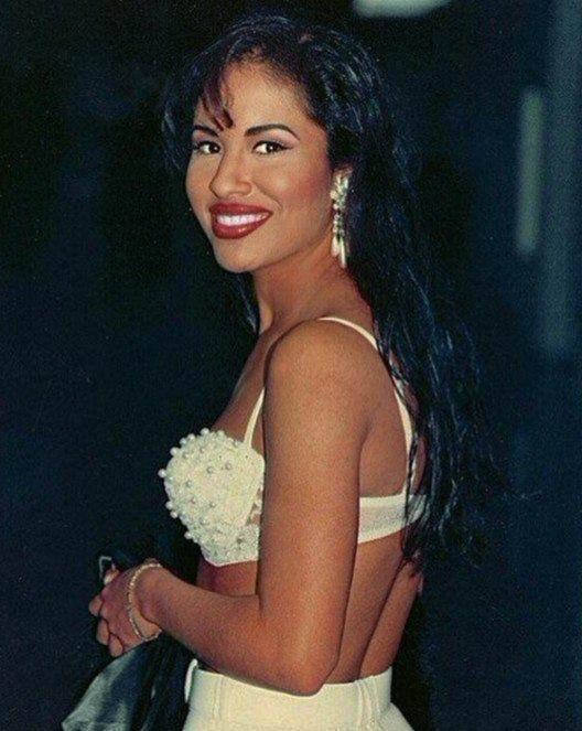 Follow: Slimolix ❤   Selena quintanilla fashion, Selena ...