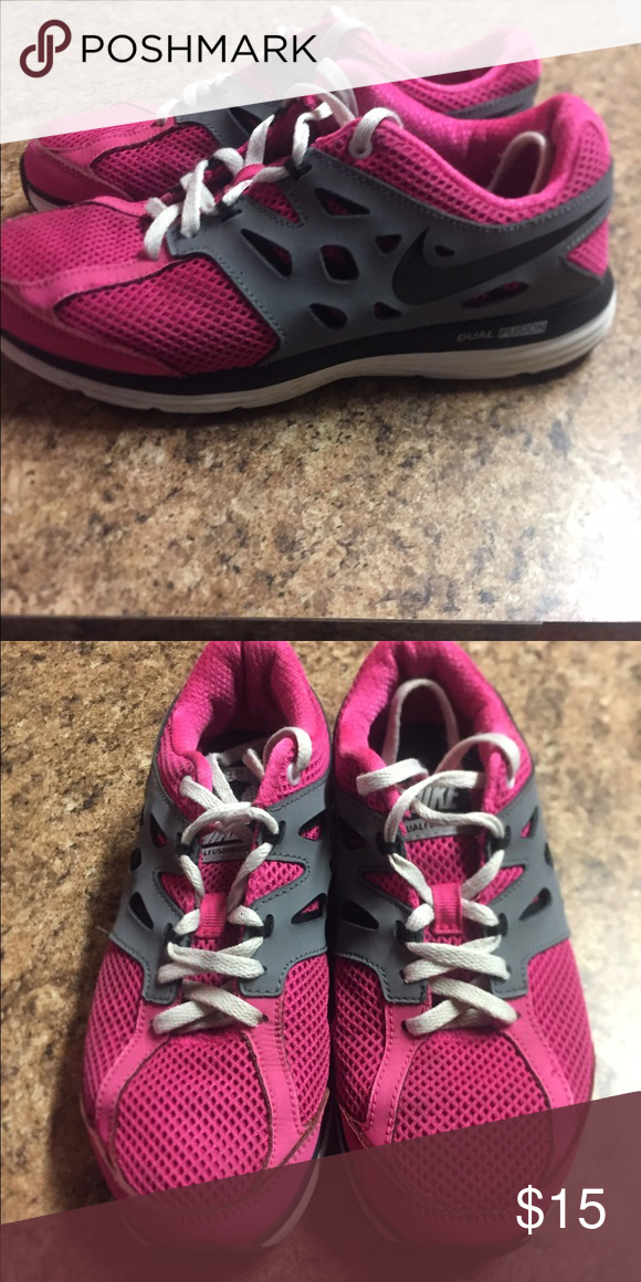 Great condition girls Nike size 4.5. Super cute shoes very good condition size 4.5  nike Shoes
