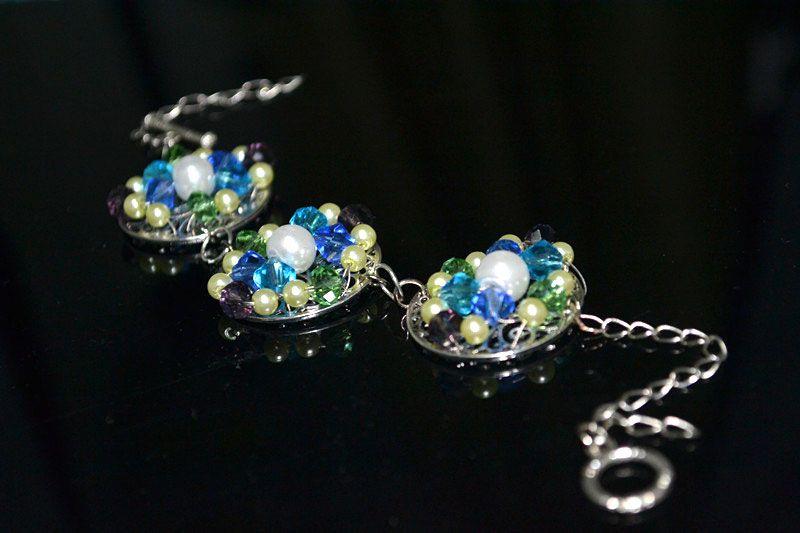 Beaded bracelets instructions- round panels bear crystal charm – Pandahall love it! must try! #ecrafty