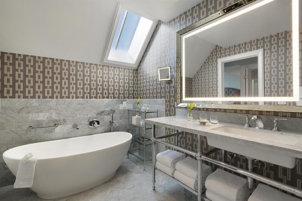Hot sale modern bathroom furniture and new design cheap aluminum ...