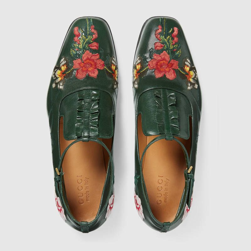 8e011aafe50 Gucci Embroidered leather shoe with ankle strap Detail 3