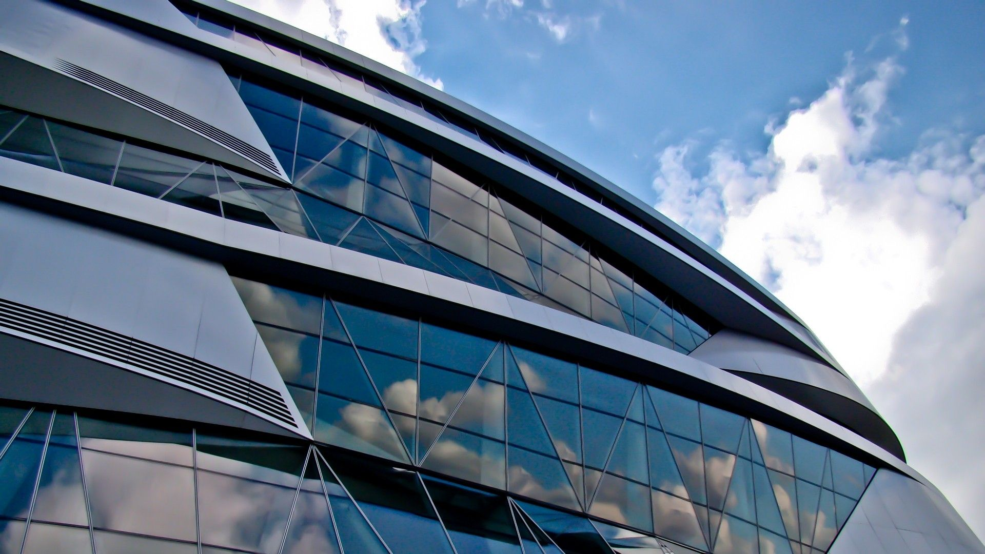 Glass Building Architecture #Glass Pinned By Www.modlar.com