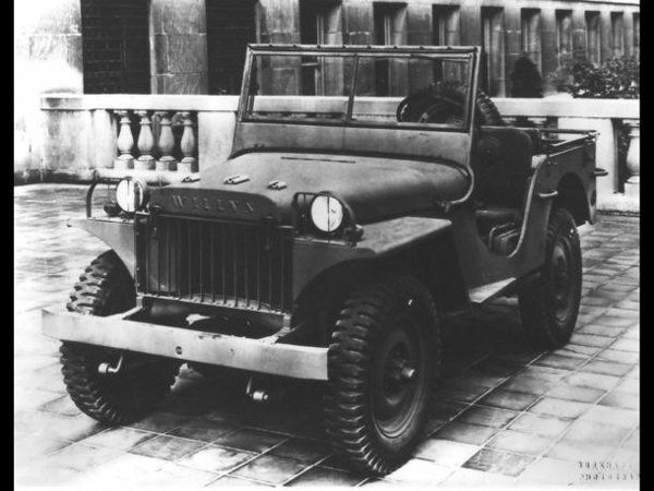 November 13 Willys Delivers The Jeep Prototype To The Army On This Date In 1940 2014 Jeep Wrangler Military Jeep Vintage Jeep