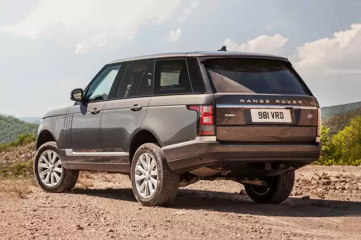 The 2017 Land Rover Range Rover easily earns our