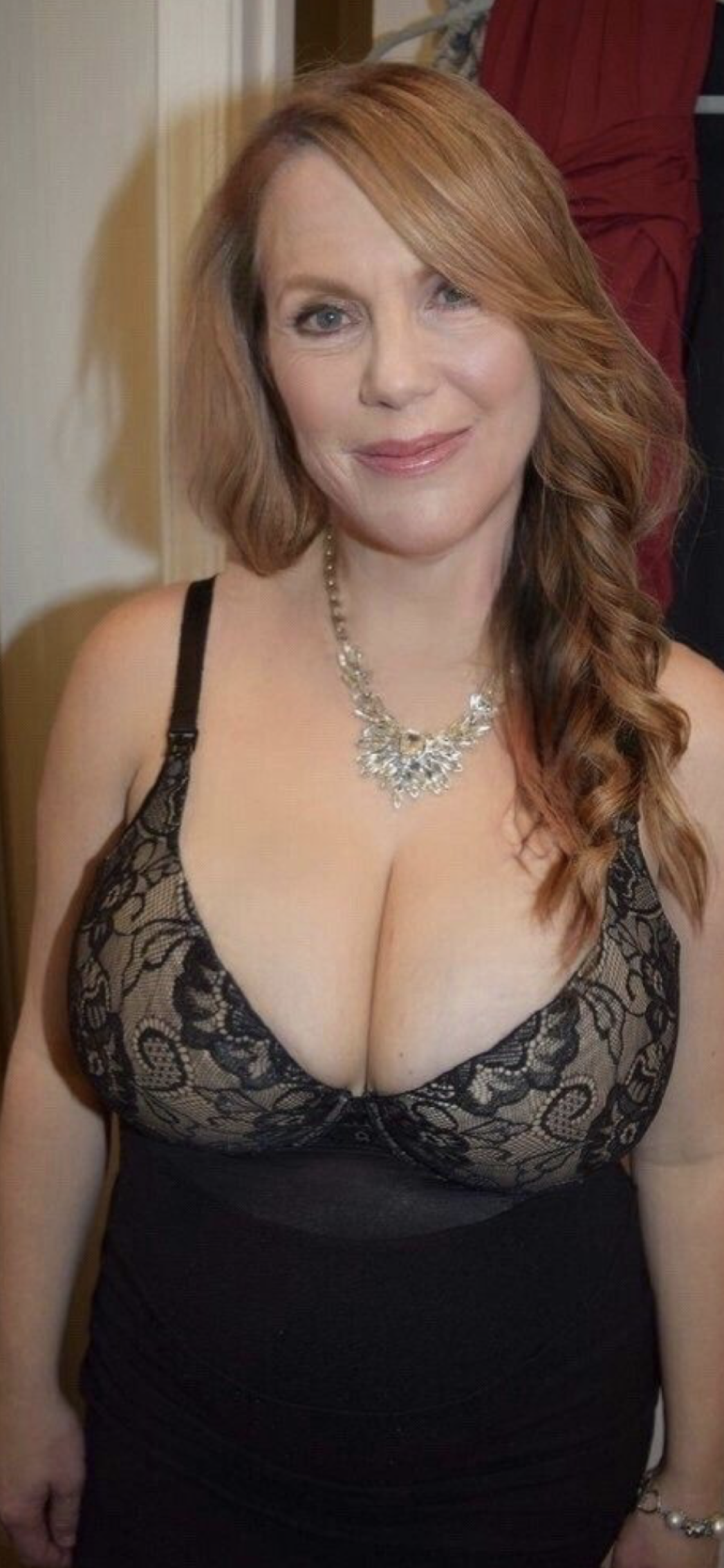 mature Women 40s nude