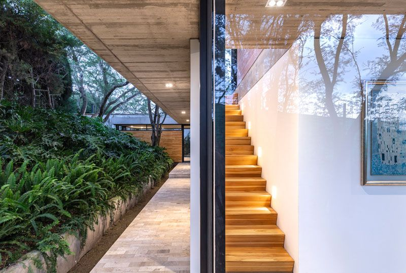The Design Of The Tacuri House Was Inspired By The Surrounding Landscape Architecture House Exterior Concrete House