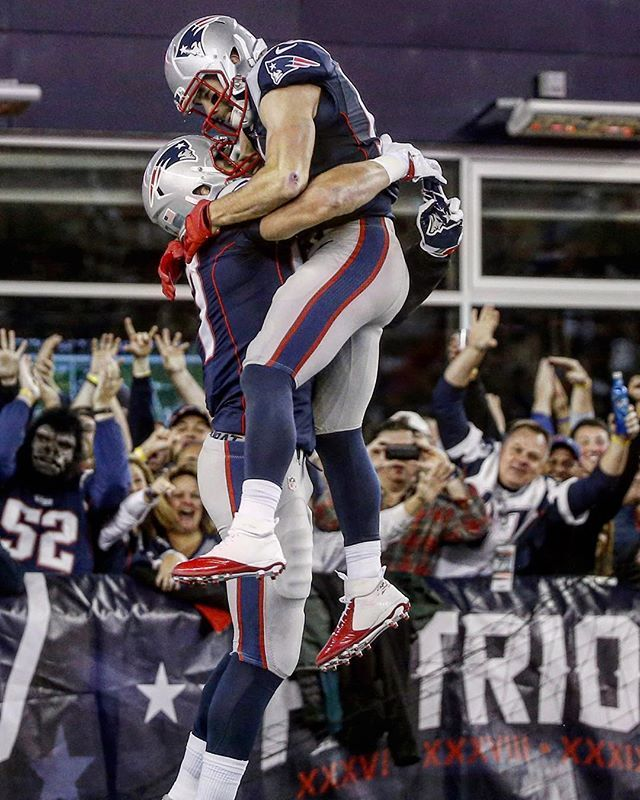 Two catches on the play for Rob Gronkowski. First a 47-yard TD catch, then a leaping Julian Edelman.