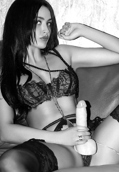 Femdom strapon erotica