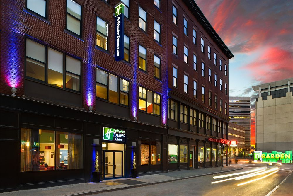Holiday Inn Express Hotel & Suites Boston Garden Stay