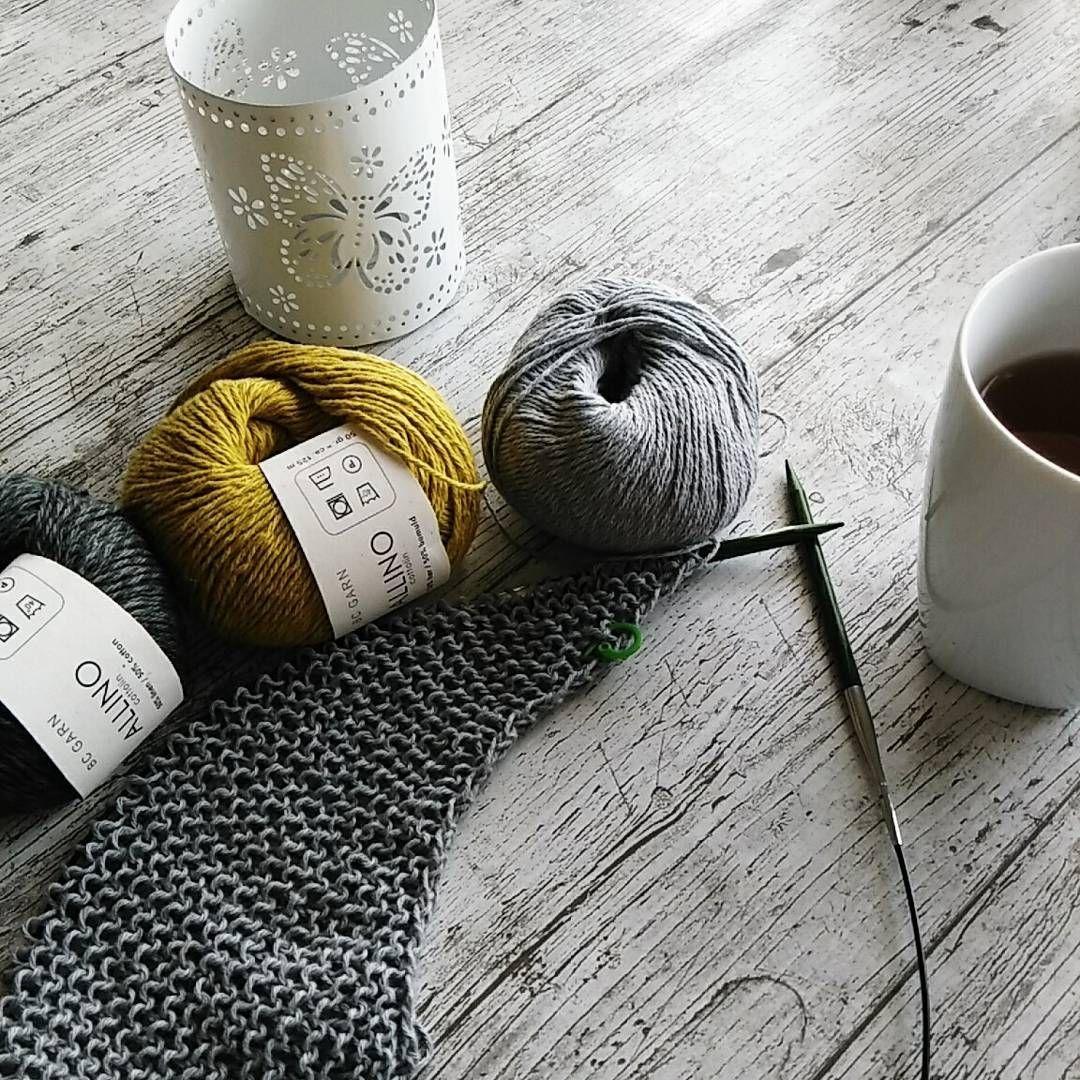 Stricken zum Frühstück. Das ist Erholung pur! ❤☀❤ Die Allino von BC Garn wird ein Sommertuch. #bcgarn #allino #strickliebe #strickenmachtglücklich #stricken #sommerstrikk #yarnlove #knistagram #knitinspiration #cafeeigenwerk #sommertuch