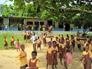 A school you'd likely never see: Rural Ghana. http://www.aroundtheworldl.com/2010/02/17/a-school-youd-likely-never-see/