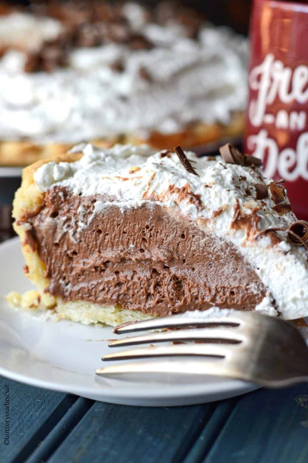 Rich and Creamy Chocolate Cream Pie