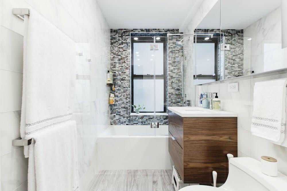 Renovators Return To Complete Their Bathroom Renovation In Queens Bathroom Renovation Bathroom Renovations Renovations
