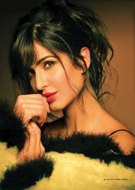 HOT: Katrina Kaif gets chic and naughty on Filmfare    GLAM BABE  Even with her perfect doll-like looks, Katrina Kaif is at ease playing a glam sex-kitten and posing naughty, while flirting with the camera. Check out her recent photoshoot with the film magazine Filmfare, and you will get to know what we are talking about.
