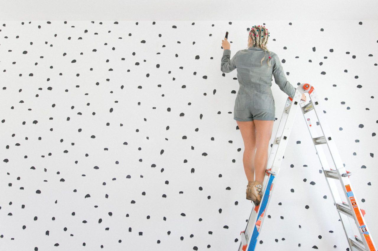 Diy Brush Stroke Inspired Polka Dot Wall Polka Dot Walls Wallpaper Bedroom Feature Wall Diy Wall Painting