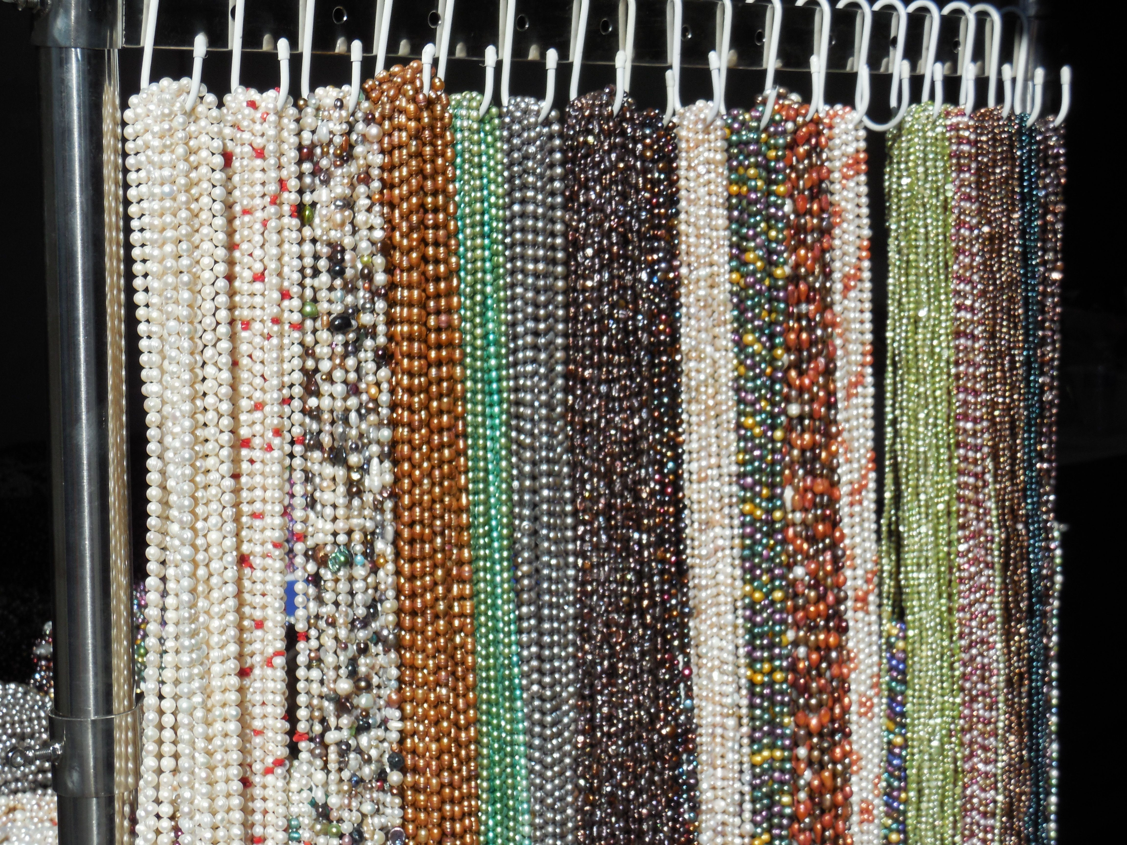 pearl necklaces for sale at tucson gem show tucson gem show gem show gem pearl