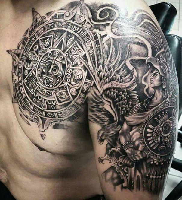 Stammes Mexikanische Tattoos Aztec Calendar Chest Polynesian Skulltattoo Aztectattoo Aztecwarrior Aztec Tattoo Aztec Tattoo Designs Mens Shoulder Tattoo