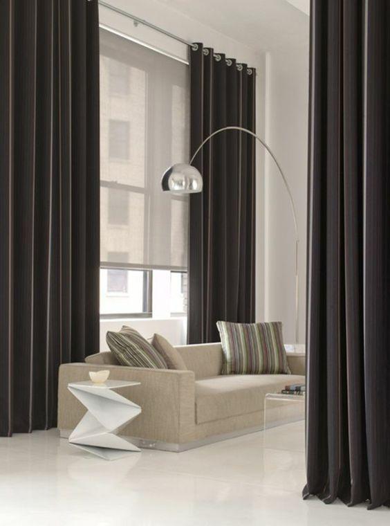 rideaux longs de salon, rideau ocultant noir, mur blanc, salon - decoration de salon moderne