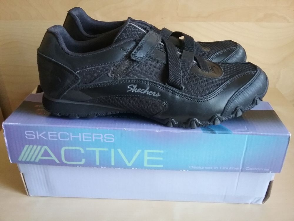 ladies skechers size 5