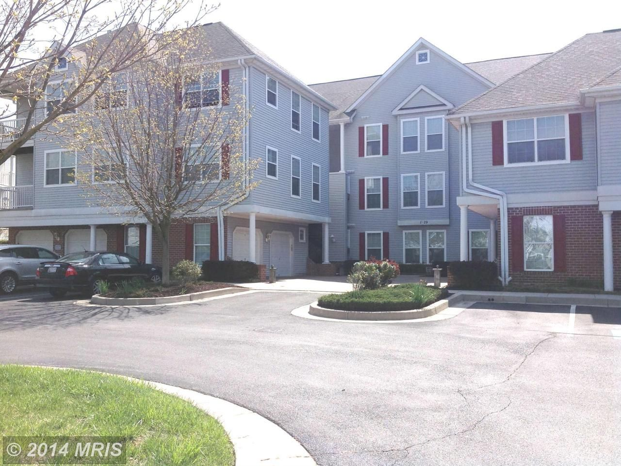 Real Estate Listing At 3 Hawk Rise Ln 103 Owings Mills Md 21117 Real Estate House Styles Real Estate Listings