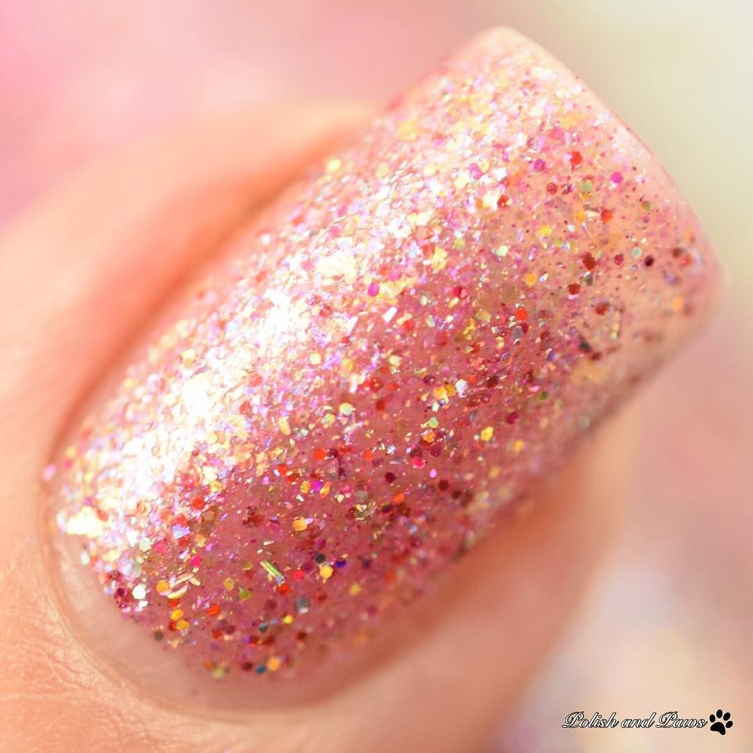 Aurora is one of the amazing flakies in @mdjcreations Fairytale Flakies collection. The full collection is on my blog a long with a review - PolishandPaws.com (link in bio)  #mdjcreations #indieswatch #prsample