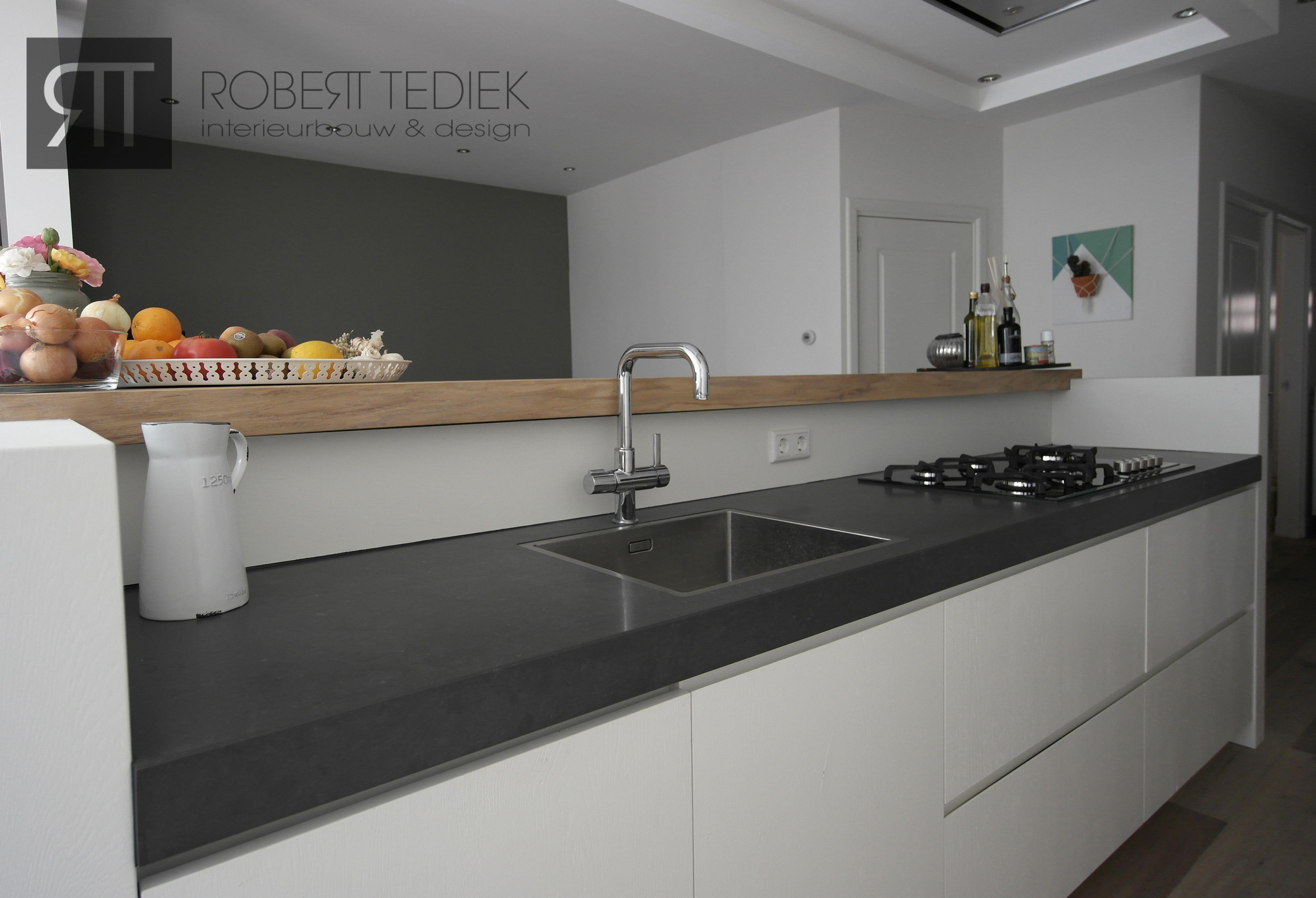 Witte Eiken Keuken : Massief eiken keuken wit gespoten spuiterij verven spuiten