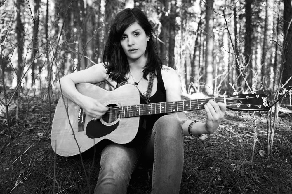 Creative Portraits. Sue Moodie Photography. Music. Guitar. Woods. Black & White.