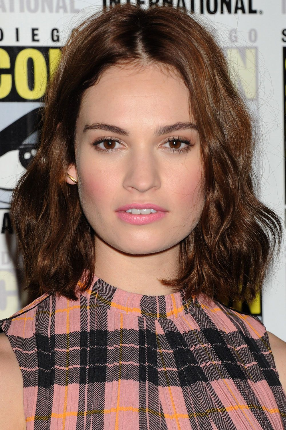 Celebrity Lily James nudes (26 foto and video), Ass, Fappening, Boobs, cleavage 2006