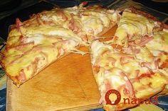 Vynikajúca večera pre každého, kto má rád dobé jedlo, ale nechce tráviť dlhé hodiny pri sporáku. Tento skvelý achutný recept z vašich obľúbených pizza ingrediencií pripravíte za neuveriteľných 15 minút! Potrebujeme (na prípravu 2 ks pizze spriemerom cca 20 cm): Cesto: 4 lyžice majonézy 4 lyžice kyslej smotany 2 vajcia 9 lyžíc hladkej múky Soľ...