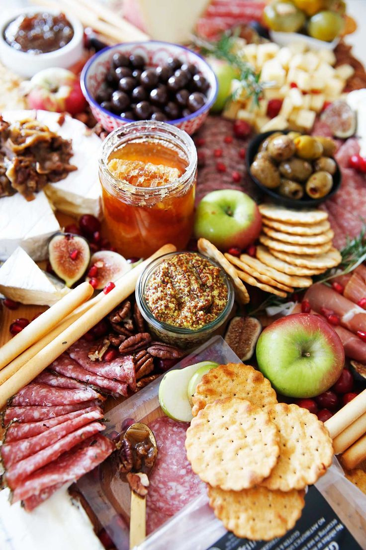 How To Make a Charcuterie Board Festive For The Holidays