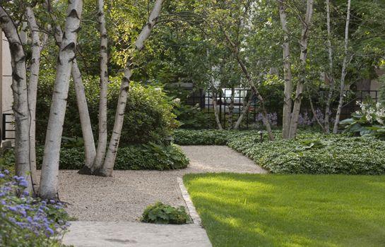 Urban garden residential garden hoerr schaudt for Hoerr schaudt landscape architects