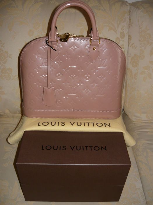 Online veilinghuis Catawiki  Louis Vuitton - Alma PM Vernis handbag - Mint  condition 8bb889165bbbe