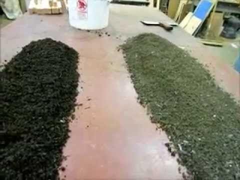 Redworm compost  bedding  Leaves vs shredded newspaper and junk mail
