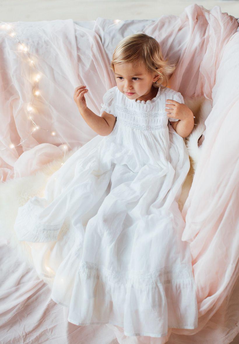 9c0f8b88d6960 Robe de Baptême Traditionnelle longue pour Bébé. En voile de soie et coton