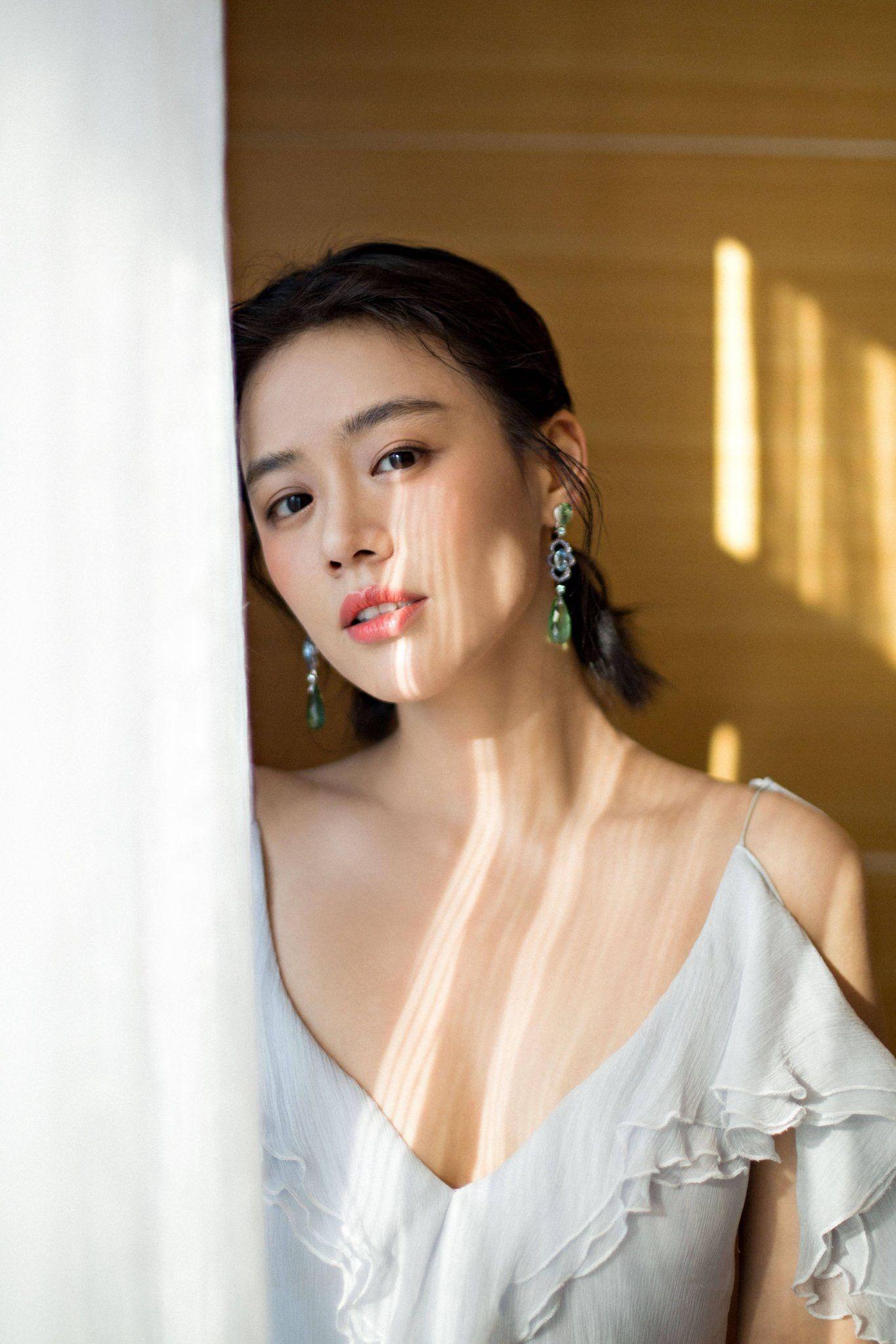 Sichun Ma Nude Photos 9