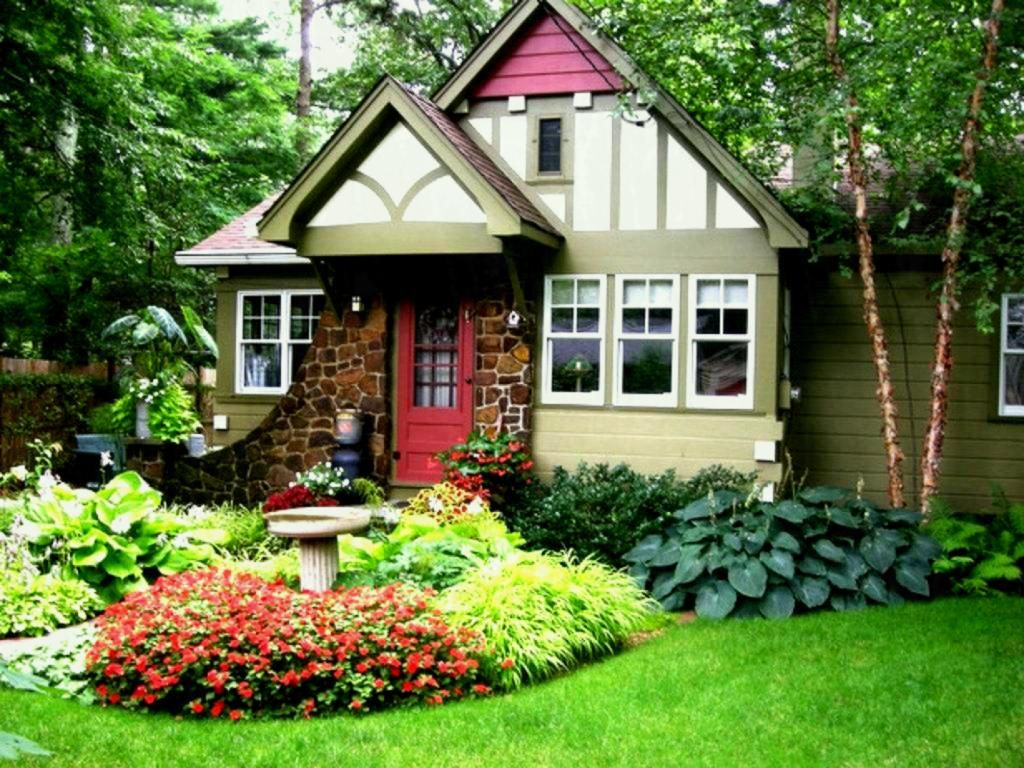Simple Landscaping Designs Front House Ideas For Of ...