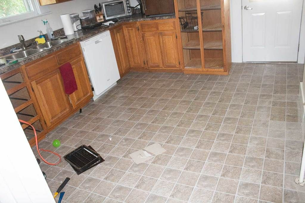 How To Remove Peel And Stick Floor Tile In 2020 Peel And Stick