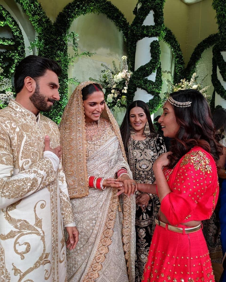 Deepika Padukone N Ranveer Singh With Miss Malini Deepveerkishadi Deepveer Bollywood Wedding Indian Wedding Dress Deepika Ranveer
