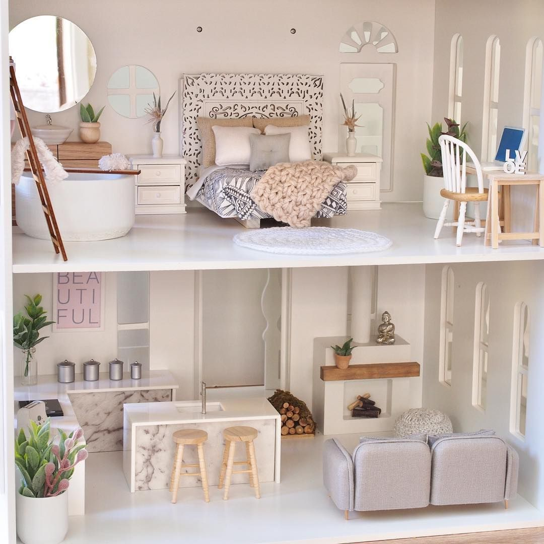 Do you have a @winniedot dollhouse? Our furniture looks
