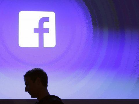 Facebook's Jan. 21 algorithm favors rich content: stats show a 30% increase in reach for link posts yet a 65% decrease in reach for text only status updates. Reach for photo and video posts stayed the same.