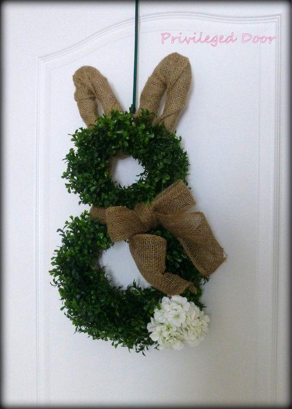 Easter Wreath. Spring Wreath. Easter Bunny Wreath. Faux Boxwood Bunny Wreath.